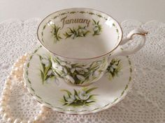 January Snowdrop Flower of the Month china tea cup and saucer, made by Royal Albert in England. It is in perfect condition, no chips, cracks or crazing. Please Note: The items I sell are not new, they are vintage or antiques, it goes without saying that there maybe some