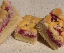 Christmas Biscuits and Slices - Easy Raspberry and White Chocolate Shortbread by Pam Moffat
