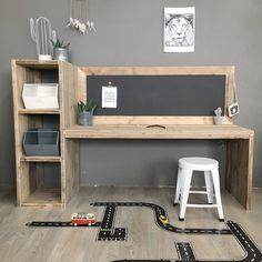 Kids Bedroom Boys, Kids Bedroom Furniture, Wooden Furniture, Furniture Sets, Childrens Desk, Diy Home Decor, Room Decor, Kid Desk, Toy Rooms