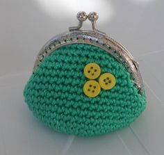 Green Coin Purse with buttons metal frame crochet coin by sankorra