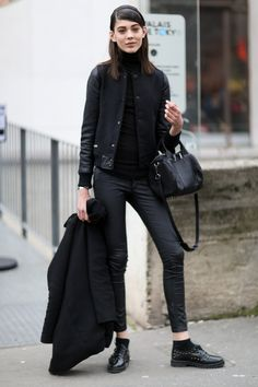 #EwaWladymiruk sticking to the #offduty uniform (all black everything). Paris.