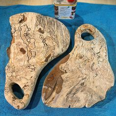 Before & After using Osmo Top-Oil Satin 3028. Gorgeous Spalted Birch cheese board. Project by @woodshop51 (IG)