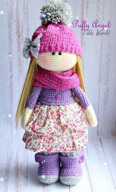 A cotton skirt on an amigurumi doll.