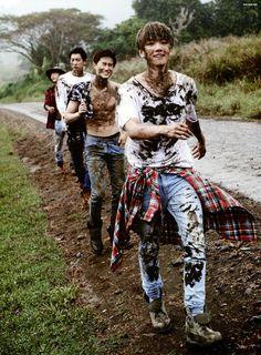 chen, chanyeol, suho and baekhyun - exo Kpop Exo, Exo Kokobop, Park Chanyeol, Chanyeol Baekhyun, Baekhyun Fanart, K Pop, Shinee, Exo Memes, Exo Ot12