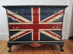 Annie Sloan Chalk Paint in Napoleonic Blue, Emperor's Silk and Old White.  Fun details on Sea Rose Cottage blog.