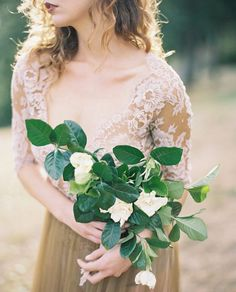 VENDOR LOVE | #magnoliarougevendor @ashleykelemen is a magician behind the camera in our humble opinion capturing beauty like this! Her passion for life & photography helps her tell your story in the best way! FOLLOW HER for more fabulousness. #magnoliarougedirectory Florals by @selvafloral gown @_emilyriggsbridal by magnoliarouge
