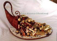 Купить Рог изобилия из конфет из шоколада подарок на юбилей - золотой, мужчине…