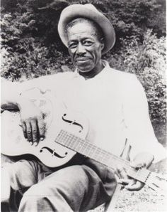 The life and music of Son House, the Mississippi Delta bluesman who inspired Muddy Waters and Robert Johnson in the and was rediscovered in the Delta Blues, Jazz Blues, Blues Music, Blues Rock, Clint Eastwood, Historia Do Rock, Mississippi Delta, Clarksdale Mississippi, Classic Blues