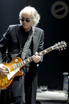 Jimmy Page - Awesome as Ever!!