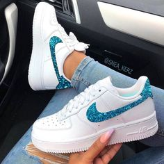 Nike Shoes OFF! Behind The Scenes By insanesneaker Cute Sneakers, Girls Sneakers, Girls Shoes, Sneakers Fashion, Shoes Women, Shoes Sneakers, Nike Shoes Air Force, Air Force Sneakers, Sneaker Store