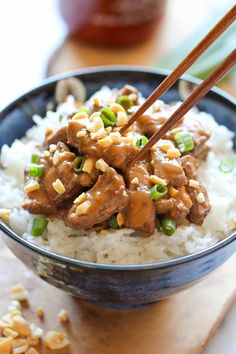 Thai Peanut Beef - Skip the take-out tonight and try this unbelievably easy dish that the whole family will love! Sounds delicious and easy! Asian Recipes, Beef Recipes, Cooking Recipes, Healthy Recipes, Ethnic Recipes, Recipies, Beef Dishes, Food Dishes, Main Dishes