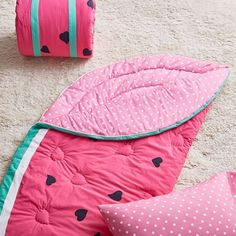 This adorable watermelon-shaped sleeping bag is sure to make those slumber parties even sweeter. Watermelon Patch, Cute Watermelon, Toddler Sleeping Bag, Girl Sleeping, Pb Teen, Camping With Toddlers, Baby Accessoires, Pink Camouflage, Sleepover