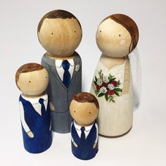 Wedding cake toppers wooden dolls // Custom wooden peg dolls // Personalised couple rustic cake topper by Maggiesneedle on Etsy https://www.etsy.com/listing/471064421/wedding-cake-toppers-wooden-dolls-custom