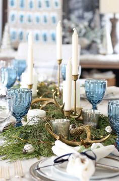 10 Simple Way to Decorate for Winter. These simple and easy ideas will inspire you decorate every room in your home for winter. Blue Christmas Decor, Christmas Decorations, Table Decorations, Centerpieces, Xmas, Coastal Christmas, Winter Christmas, Winter Holidays, Christmas Time