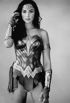 Wonder Woman Kunst, Wonder Woman Art, Gal Gadot Wonder Woman, Wonder Women, Wonder Woman Pictures, Gal Gardot, Female Hero, Dc Movies, Justice League