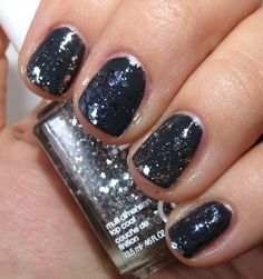 Essie STROKE OF BRILLIANCE (middle & pinky), SET IN STONES (pointer & ring) Nail Polish Swatches & Review