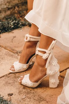 Dr Shoes, Cute Shoes, Me Too Shoes, Beach Wedding Shoes, Dream Wedding Dresses, Wedding Shoes Bride, Wedding Shoes Block Heel, Designer Wedding Shoes, White Wedding Shoes