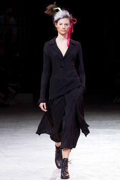 Yohji Yamamoto Spring 2014 Ready-to-Wear Collection Slideshow on Style.com