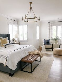 Master Bedroom Makeover Strategies Bedroom design thoughts can be an inspiration to make you redo your bedroom superbly. Cute Bedroom Decor, Apartment Bedroom Decor, Home Bedroom, Modern Bedroom, Bedroom Furniture, Furniture Sets, Bedroom Wardrobe, Bedroom Wall, 1920s Bedroom