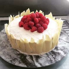 Lemon and raspberry sponge with white chocolate shards