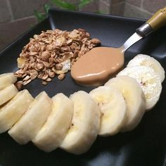 Aquele lanche da tarde pra adoçar a vida  Pré treino: Banana  Pasta de amendoim da First  Cereais #90diasemequilíbrio by oucaseucorpo http://ift.tt/20kcWy3