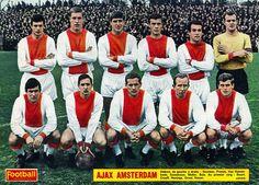 Ajax Amsterdam team group in Best Football Team, Retro Football, School Football, Vintage Football, Sport Football, Football Boots, Soccer Teams, Afc Ajax, International Football