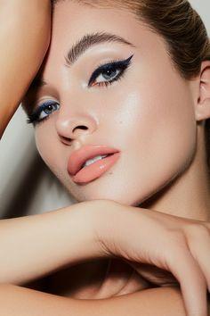 Du suchst die neusten Make Up Trends und Inspiration für Beauty Kampagnen? Natascha Lindemann gibt Einblick in ihre Arbeit als Beautyfotografin. Make Up Looks, Classic Eyeliner, Eyeliner Styles, Beauty Shoot, Photo Retouching, Makeup Art, Trends, Closer, Septum Ring