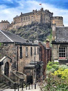 Edinburgh kokemuksia, nähtävyydet ja parhaat matkavinkit Edinburgh, Camera Obscura, Places To See, Ireland, Harry Potter, Traveling, Mansions, House Styles, Museum