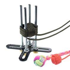 Paracord Braids, Paracord Knots, Paracord Keychain, Rope Knots, Paracord Bracelets, Monkey Fist Keychain, Monkey Fist Knot, Diy Bracelets Easy, Rope Crafts