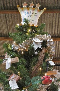 """Great """"Jesus Tree"""" from Vintage & Company website."""