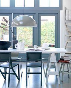 VT Wonen - IJs blauw | zachte ijspastellen kleuren, aaibare materialen, twinkelende verlichting en DIY-moois #interior #interieur
