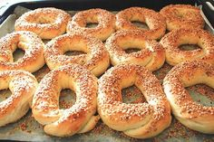 Simit Recipe - Turkish Recipes - Today I& going to introduce you to the Simit recipe. I got the recipe from dear Öğren Annem - Turkish Recipes, Greek Recipes, Desert Recipes, Simit Recipe, Recipe Recipe, Healthy Eating Tips, Healthy Recipes, Macedonian Food, Vegetable Drinks