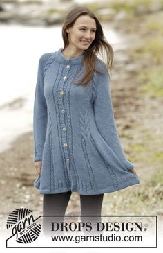 """Knitted DROPS fitted jacket with cables, raglan and edges in garter st, worked top down in 2 strands """"Alpaca"""". Size: S - XXXL. ~ DROPS Design"""