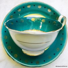 Vibrant glossy teal Royal Grafton antique tea cup featuring delicate golden star details around the rim. Set is in great antique condition with no chips, cracks or crazing, there is minimal gold wear on the gilding. ~~~~~~~~~~~~~~~~~~~~~~~~~~~~~~~~~~~~~~~~~~~~~~~~~ ~Complimentary