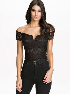 Off The Shoulder Lace Plunge Front Top - Ax Paris - Black - Tops - Clothing - Women - Nelly.com