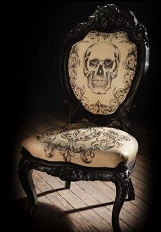 skullchairscottcampbell (spotted by @Ileanaatn774 )