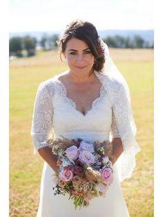 Brudekjole med blonder ermer