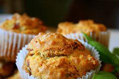 Muffiny wytrawne z suszonymi pomidorami i szynką | W kuchni bez dubli – blog kulinarny – Marieta Marecka