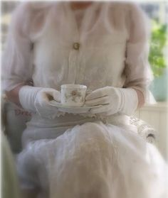 Sophisticated, proper, afternoon Tea ✿ڿڰۣ