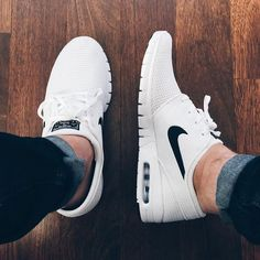 online store 3c711 111ba 5 Tips For Keeping Your White Sneakers Clean. White Nike ShoesWhite ...