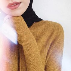 Image about fashion in 𝐡𝐢𝐣𝐚𝐛𝐢𝐬 by ; Cute Muslim Couples, Muslim Girls, Muslim Women, Hijabi Girl, Girl Hijab, Hijab Outfit, Girl Photo Poses, Girl Photography Poses, Girl Photos