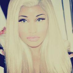.She makes blonde look gudd!