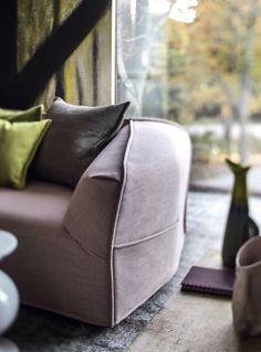Massas sofa Moroso, design Patricia Urquiola