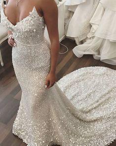 Sweetheart mermaid wedding dress #weddinggown #weddingdress