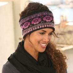 """Ring of Roses - DROPS head band with pattern in """"Delight"""" and """"Fabel"""". - Free pattern by DROPS Design Fair Isle Knitting Patterns, Fair Isle Pattern, Knitting Charts, Free Knitting, Finger Knitting, Scarf Patterns, Crochet Patterns, Headband Pattern, Knitted Headband"""