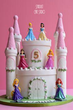 Disney Princesses Castle Cake Disney Princess Birthday Cakes, Disney Themed Cakes, Pig Birthday Cakes, Princess Theme Party, Cinderella Birthday, Birthday Cake Girls, Castle Birthday Cakes, 5th Birthday, Disney Castle Cake
