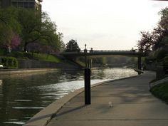 Brush Creek Waterway at The Plaza in Kansas City, MO  April 11, 2010