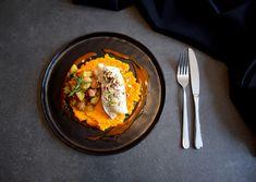 Kabeljau ist ein echtes Multitalent und lässt sich super kombinieren! Gedämpft ist er in wenigen Minuten auf dem Tisch und durch das schonende Garen bleiben sämtliche Nährstoffe erhalten. Crispy Potatoes, Tasty Dishes, Cod, Carrots, Yummy Food, Super, Ethnic Recipes, Easy, Cod Fish