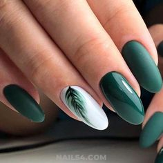 September Nail Colors / Gorgeous & Cutie Gel Manicure Creative Nail Designs for Short Nails to Create Unique Styles. White Gel Nails, Dark Green Nails, Green Nail Art, Cute Acrylic Nails, Acrylic Nail Designs, Cute Nails, My Nails, Gel Manicure Designs, Black Nails