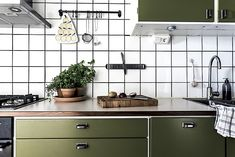 Kitchen Time, Kitchen Dining, Dining Room, Scandinavian Interior, Kitchen Interior, Interior Inspiration, Home Kitchens, Kitchen Appliances, Interior Design